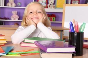 niña sin dificultades de aprendizaje